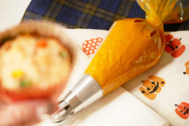 「ミートケーキ」 手軽におうちハロウィン 愛犬手作りごはんレシピ 絞り袋でアレンジ