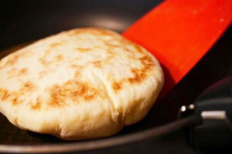 ピタパン作り フライパンで焼く