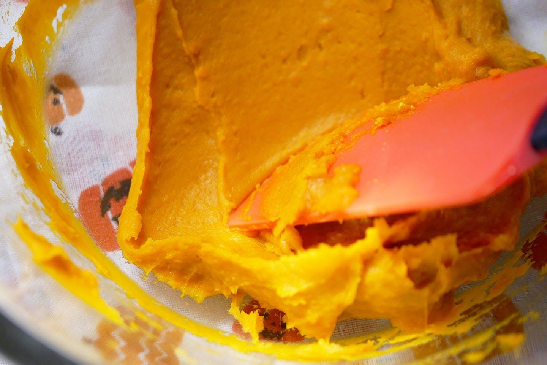 「ミートケーキ」 手軽におうちハロウィン 愛犬手作りごはんレシピ かぼちゃのフレーク