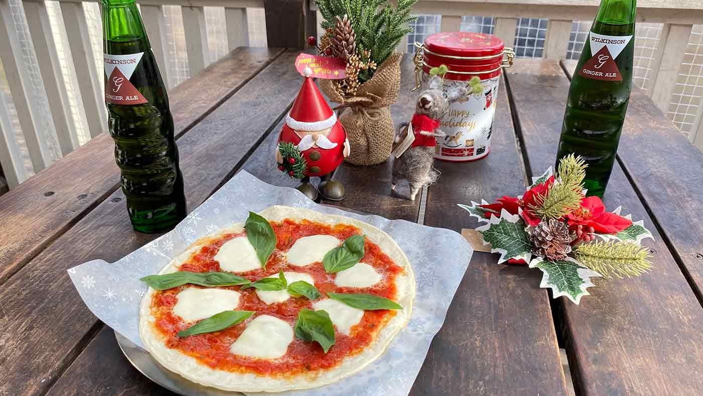 愛犬とクリスマスキャンプ 手作りピザ
