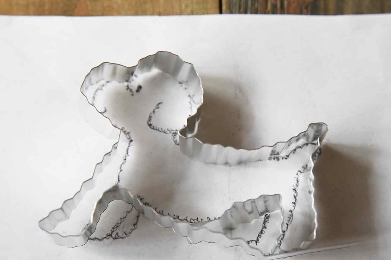 犬 クッキーの型の作り方 DIY 折り曲げる