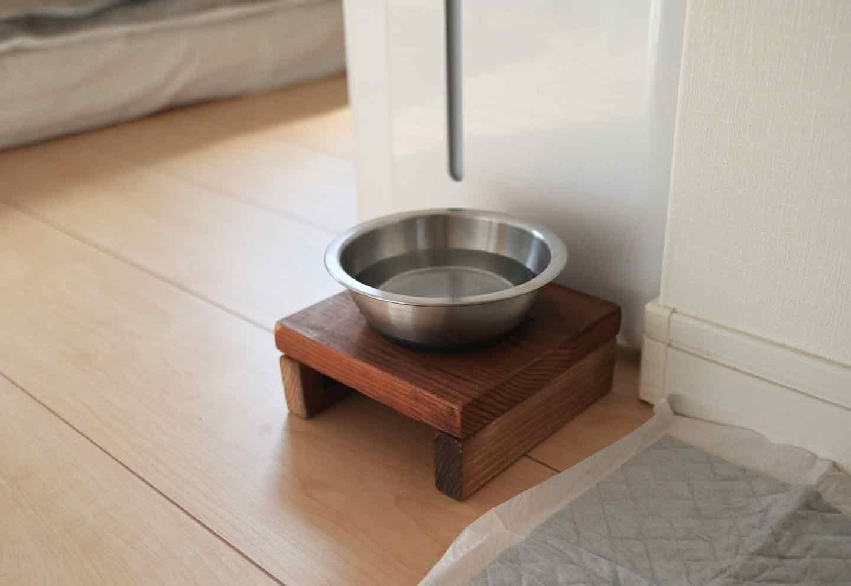 愛犬との寝室 水飲み台
