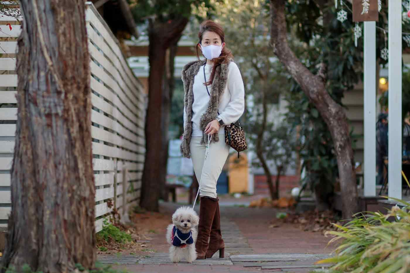 お散歩する愛犬とHiromiさん