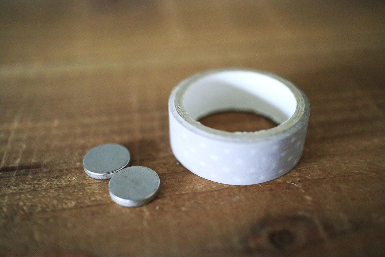 マグネットとマスキングテープ