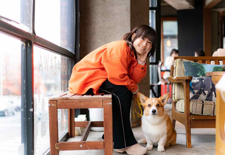 【タレントIMALU】犬が好きすぎて驚きの行動を連発⁈はじめての犬飼い、出産、介護…愛犬エピソードを取材!