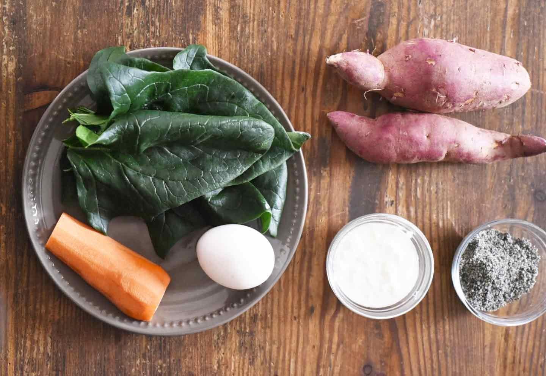 愛犬と節分 恵方巻 材料 サツマイモ ほうれん草 にんじん 卵 ヨーグルト 黒ごま