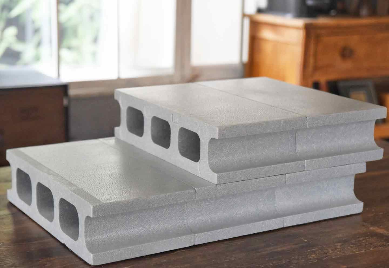 15分DIY 100均ブロックのお手軽ステップ 2段のブロックを組み合わせる
