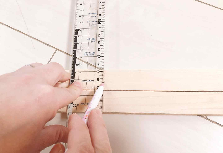 手作り愛犬用ソファー DIY  木材に印づけ