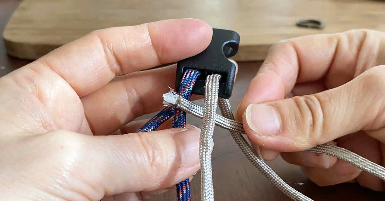 愛犬用パラコード編みの手作り首輪 ロープをバックルにセット