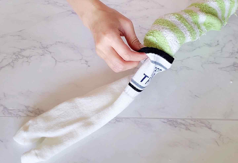 靴下うさぎ 愛犬おもちゃ手作り 靴下を重ねる