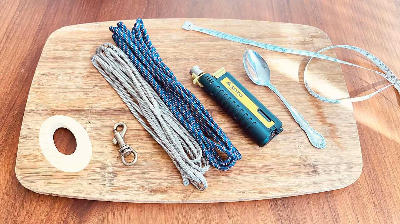 パラコード編みの犬用リード 作り方 材料 パラコード ナスカン 巻尺 ライター スプーン ハサミ