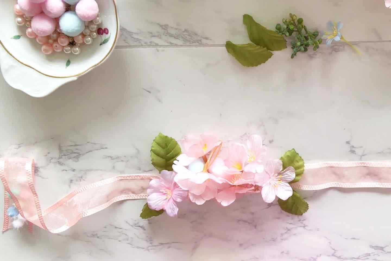 100均 桜 愛犬用の花飾り 花材をリボンに接着
