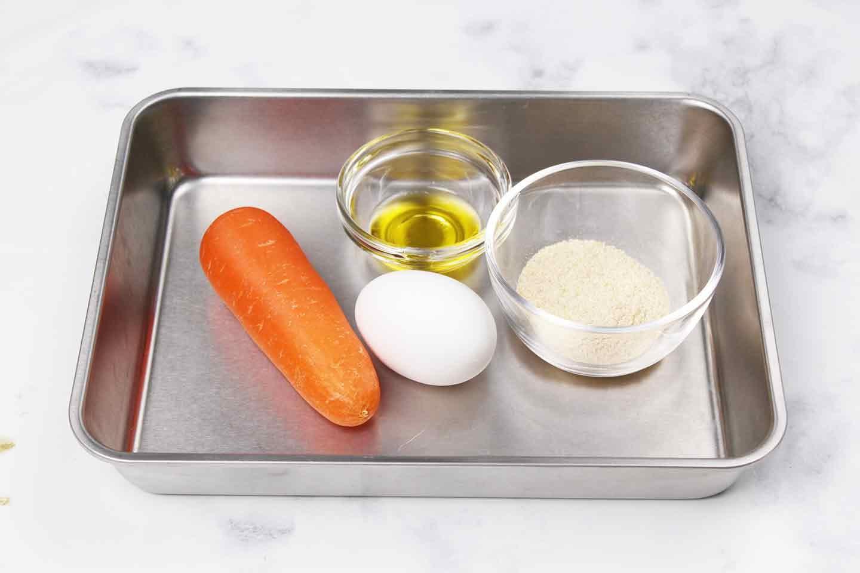 愛犬手作り健康ごはん にんじんケーキ 材料 にんじん おからパウダー 卵 オリーブオイル