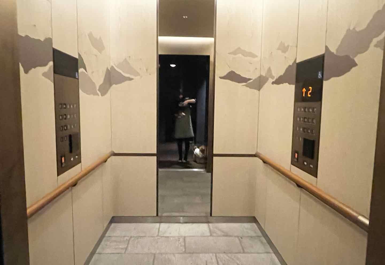 キンプトン新宿東京 犬と乗れるエレベーター