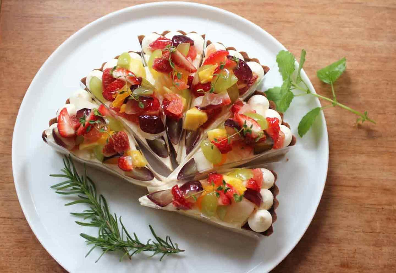 季節のフルーツを使ったタルト
