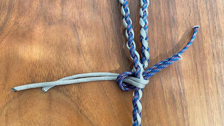 パラコード編みの犬用リード 作り方 ロープを結ぶ