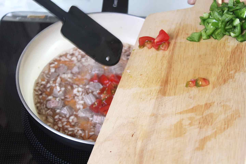 愛犬用ヘルシーな山芋ドリア トマト・ピーマンも炒め煮