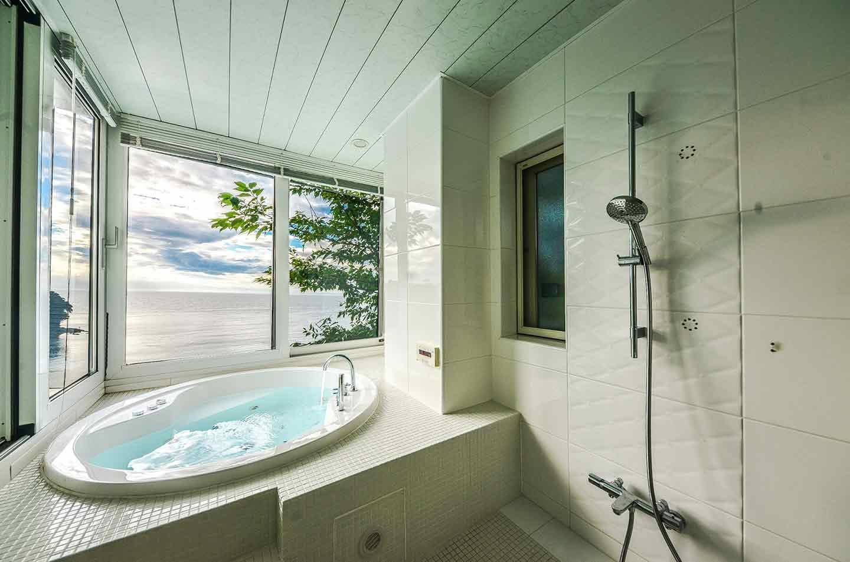 愛犬と泊まれる『THE HOUSE Koajiro』 『Bed and Bath』 ジャグジー