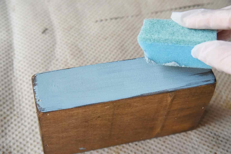 愛犬用「収納つき手作り連絡ボード」の作り方 カットした木材にペイント