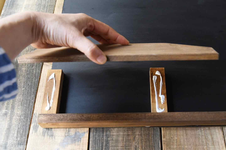 愛犬用「収納つき手作り連絡ボード」の作り方 木材を組み立て フォルダ部分
