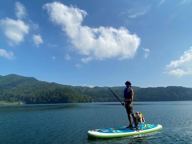 今年の夏は野尻湖で愛犬と水遊び!犬フレンドリーな『ホテルタングラム』に泊まって愛犬とSUP体験しよう