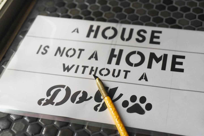 『犬がいます!』ステンシルの作り方