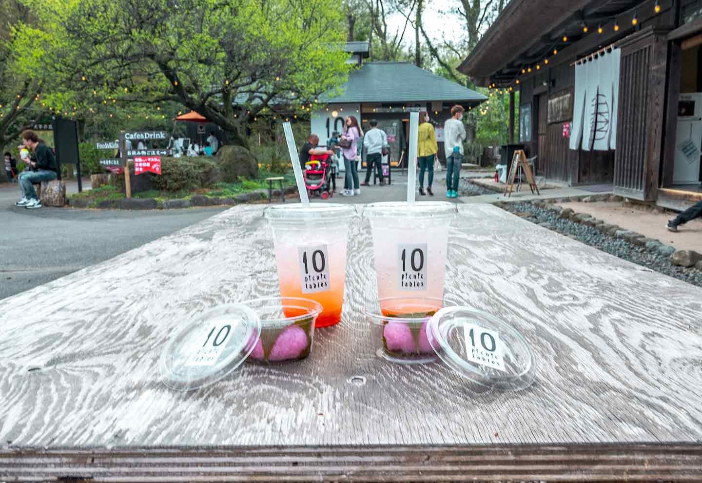 『10 picnic tables』 ドリンク スイーツ