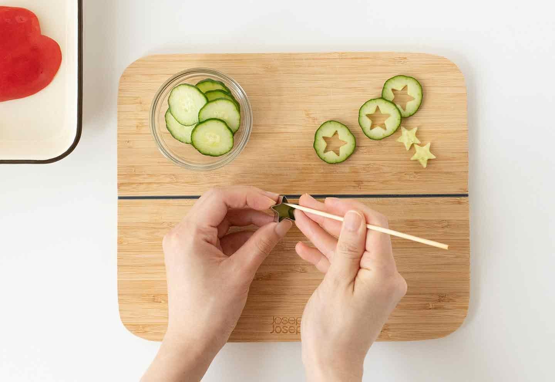 愛犬七夕レシピ 愛犬用鶏ささみと夏野菜のスープの作り方 野菜をくり抜く