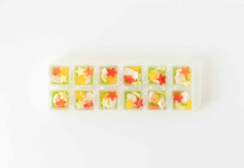 愛犬七夕レシピ 愛犬用鶏ささみと夏野菜のスープの作り方 冷凍庫で凍らせる