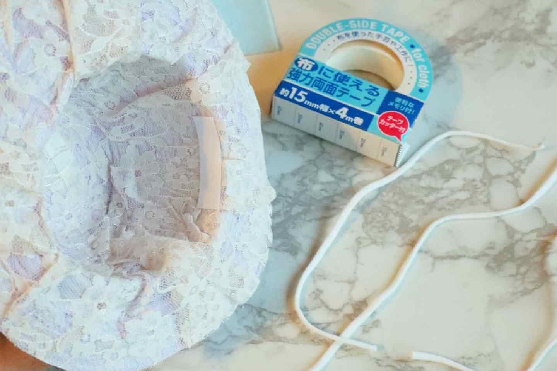 100均の紙紐で作れる 愛犬用麦わら帽子 あご紐をつける