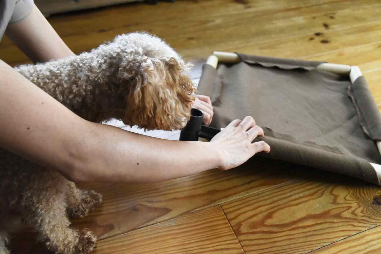 お手軽な愛犬用ドッグコットの作り方 ジョイントパーツを差し込む