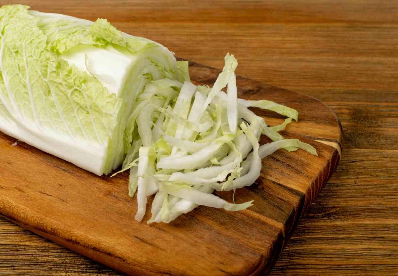 犬は白菜を食べても大丈夫!、白菜カット