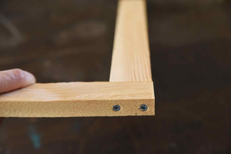 愛犬のための開閉ゲート扉の作り方 木枠をビスで組み立てる