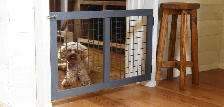 【賃貸でもOK】手作り開閉ゲート扉で愛犬の侵入・脱走防止!お家のどこでも簡単に取り付け可能♪