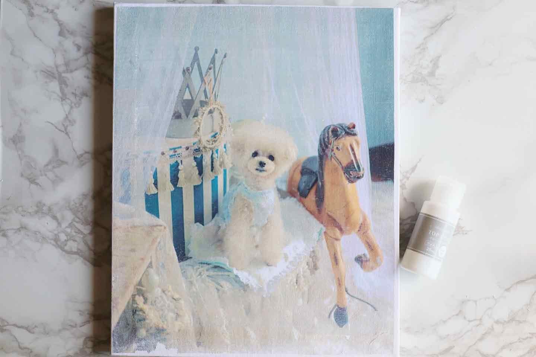 愛犬デザインのオリジナル時計の作り方手順 上からデコパージュ液を塗る