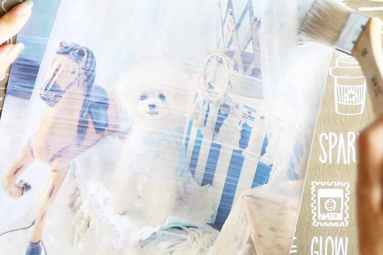愛犬デザインのオリジナル時計の作り方手順 デコパージュ液を塗布する