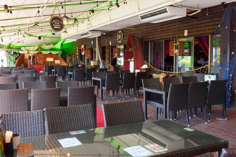 「海賊レストランGRANTEI」のテラス席はわんちゃんOK