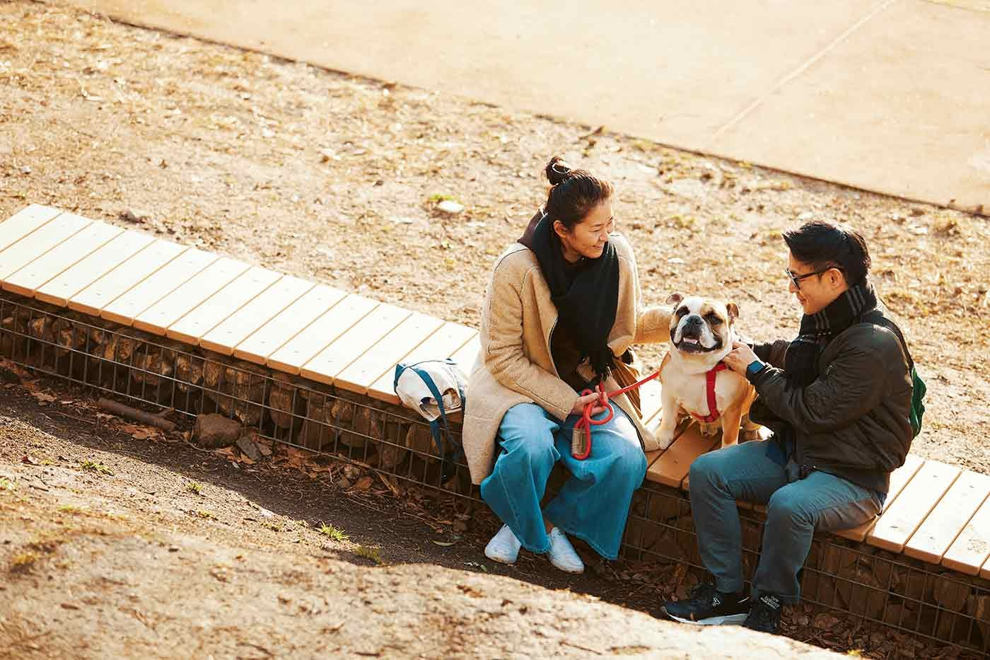 鼻ぺちゃを愛してやまないご夫婦。愛犬のブルドッグ、エイトくんが暴れん坊で可愛すぎる!